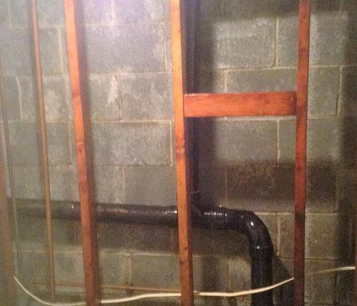 Water pipe Lake Carmel, NY causes water and mold damage After